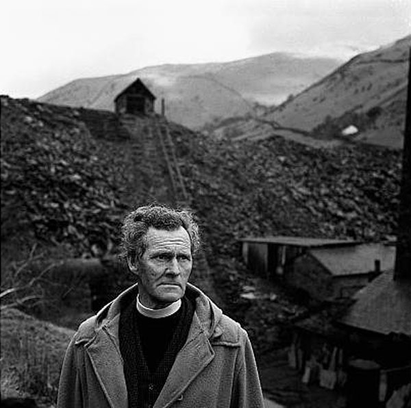 RS Thomas-Poesía-Gales-linne-magazine