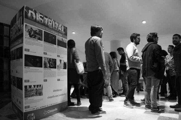 Distrital_2014_Linne_Magazine_Inauguración_Yann_ González1