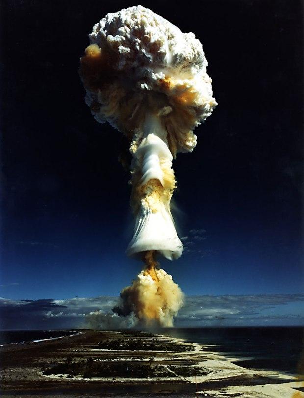 bomba-atomica-humo