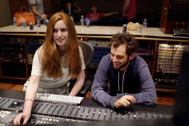 Victoria y Jonás Cuarón durante la grabación del sencillo .